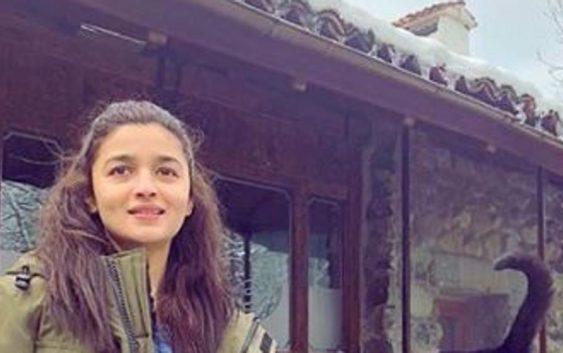 "Alia bhatt much awaited movie ""Raazi"" trailer is out"