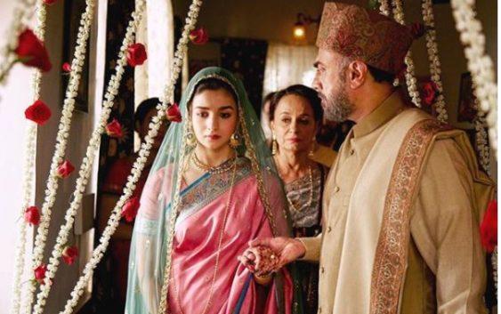 "Raaji new song ""Dailbaro"" released, Alia Bhatt is looking to touchy"