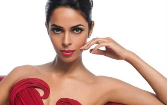 Bollywood actress Mallika sherawat opens up on gangrape cases