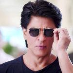 शाहरुख़ खान ने दिवाली पर लगाया माथे पर टीका, यूजर ने कहा-तुम तो काफिर हो गए