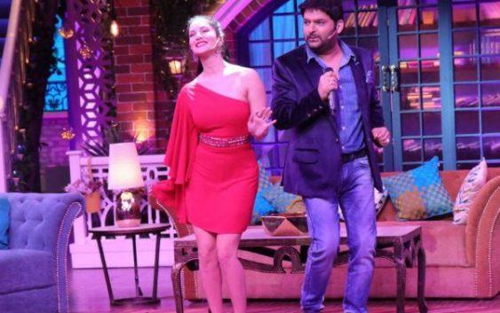 kapil flirting on show