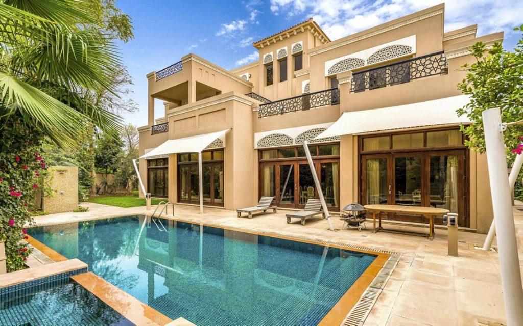 Akshay kumar Villa