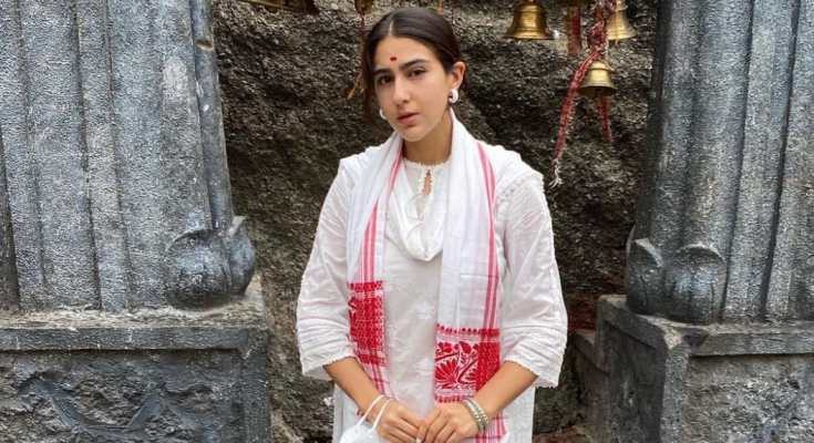 सारा अली खान ने पहुंची मां कामाख्या देवी मंदिर